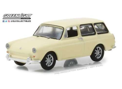 1966 VW T3 Squareback - Greenlight 1:64 #29920-D