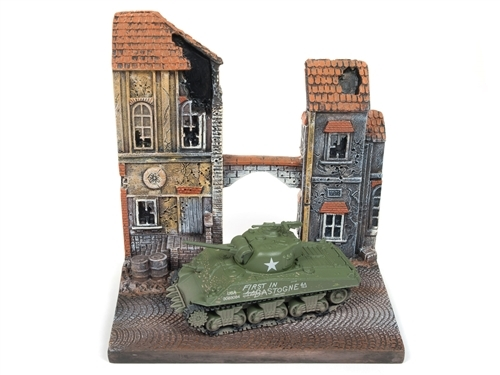 The Chateau WWII Diorama - M4A3 Sherman Tank - Johnny Lightning 1:100 #JLDS001