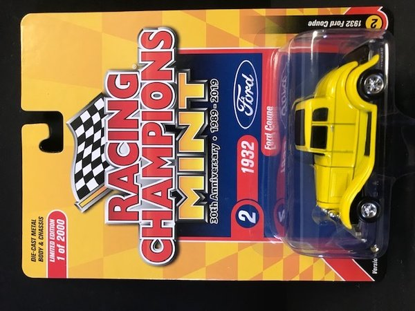 RC010A-2 1932 Ford Coupe Racing Champions 1:64