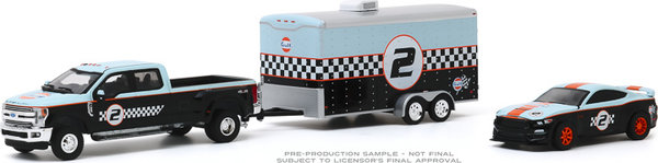 1:64 Racing 2019 Ford F-350 Dually and 2019 Ford Shelby GT350R Gulf Oil Greenligt