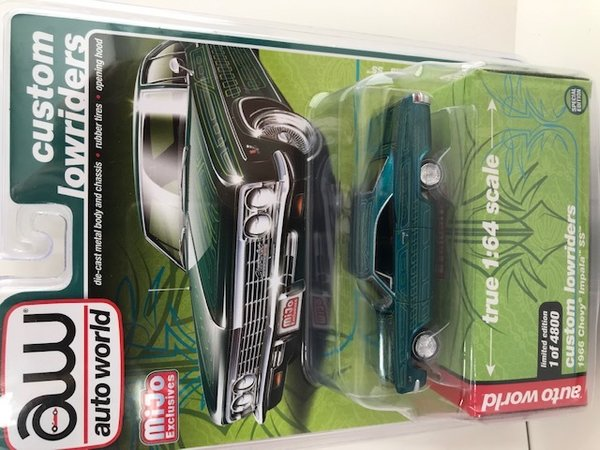 Auto World Lowriders 1/64 1966 Chevrolet Impala SS *Lowrider*, AWCP7740